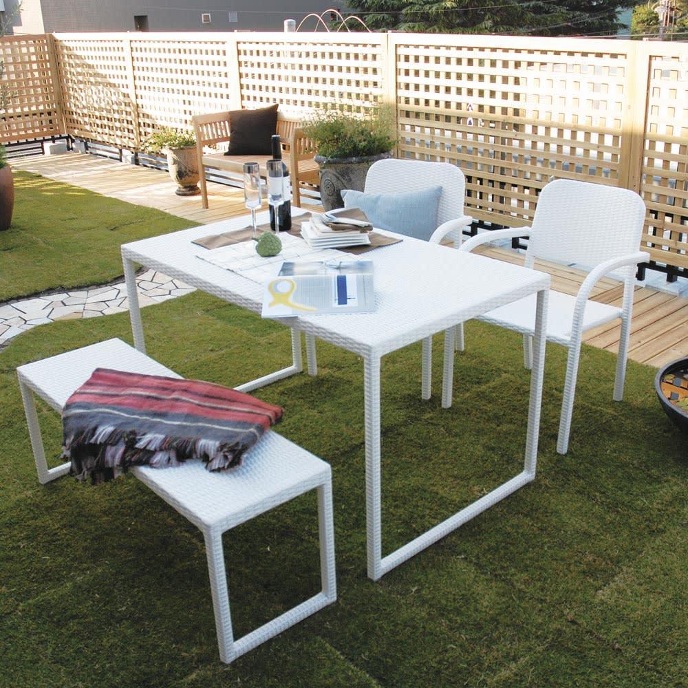 庭座 シンプルスクエアテーブル コーディネート例 ※お届けはテーブルです。