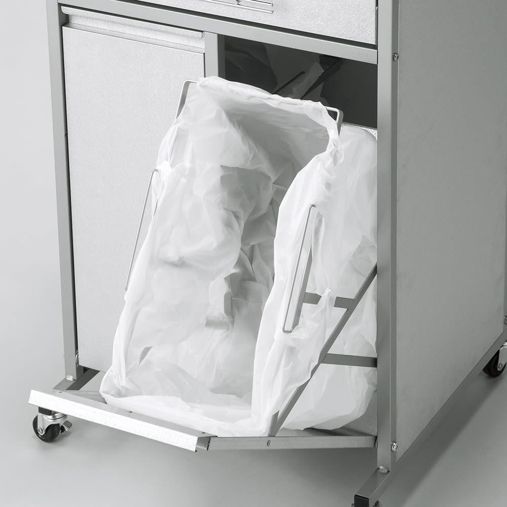 1台3役!ダスト&ソイル収納庫 ワイド ゴミ袋をひっかけてダストボックスとしても。