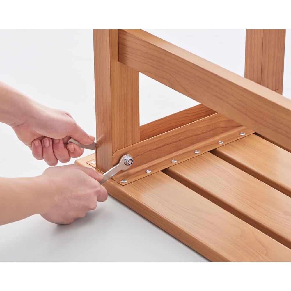 天然木調アルミデッキ縁台 デッキ幅90奥行90cm 組み立ても簡単です。