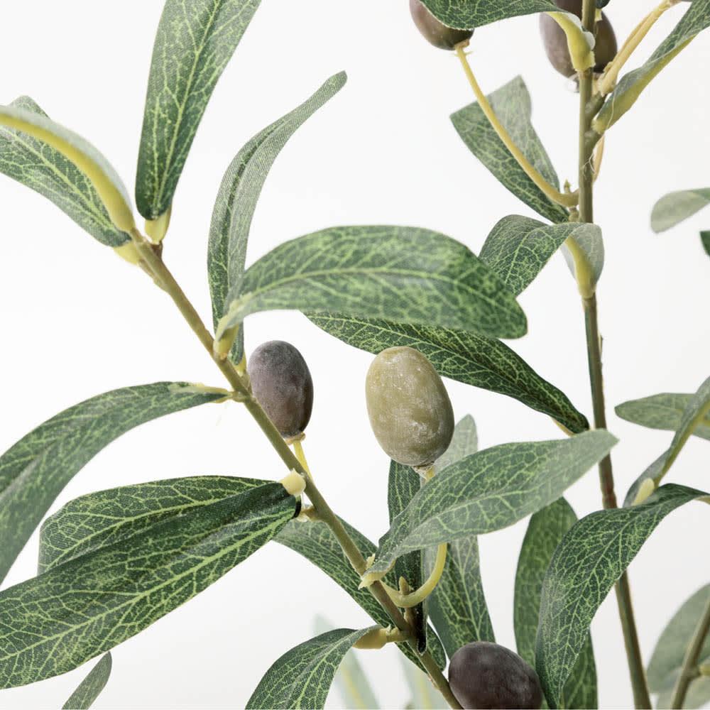 人工観葉植物オリーブ 高さ90cm 鉢カバーなし 表裏で色合いが異なる、ほっそり美しい葉形。