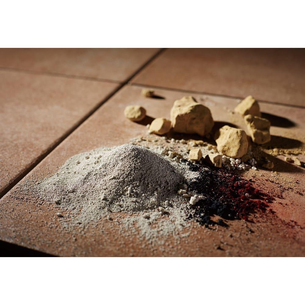 TOTO汚れにくいベランダマット30cm×30cm(15cm角タイル) 同色10枚組 粘土や長石など厳選された素材を1000度の高熱の窯で焼き上げられた陶磁器タイル。