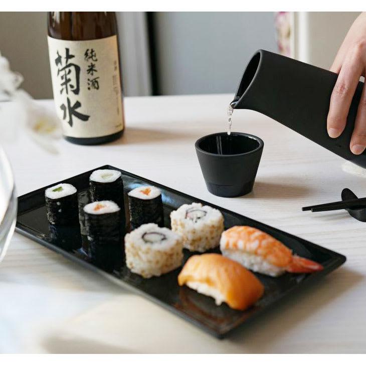 magisso(マギッソ)/ブラックカラーテラコッタ サービングプレート長方形 ※使用イメージ:和モダンなテイストだからお寿司用プレートとしても使えます