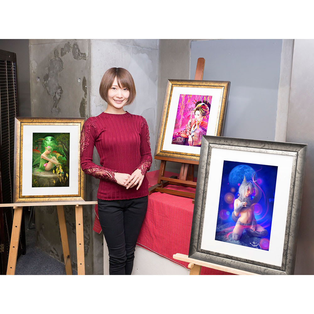 成賀くるみ『幻獣少女』シリーズ 月護(つきも)りのヴォルフ 作品は額装してお届けします(額の色はNV2287、NV2289はゴールド系、NV2288はシルバー系の色になります)