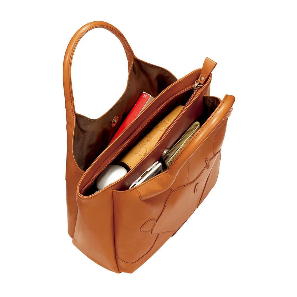 SNOOPY(スヌーピー)/ナチュラルレザーのワンマイルバッグ|PEANUTS 3つに分かれた使いやすい設計