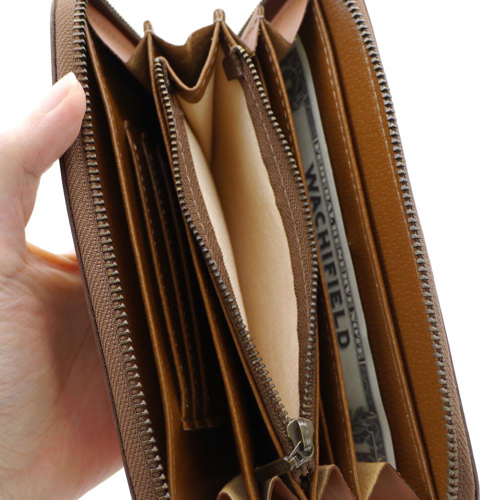 わちふぃーるど/DBラウンド財布 中央のファスナー小銭入れは片側マチ付き
