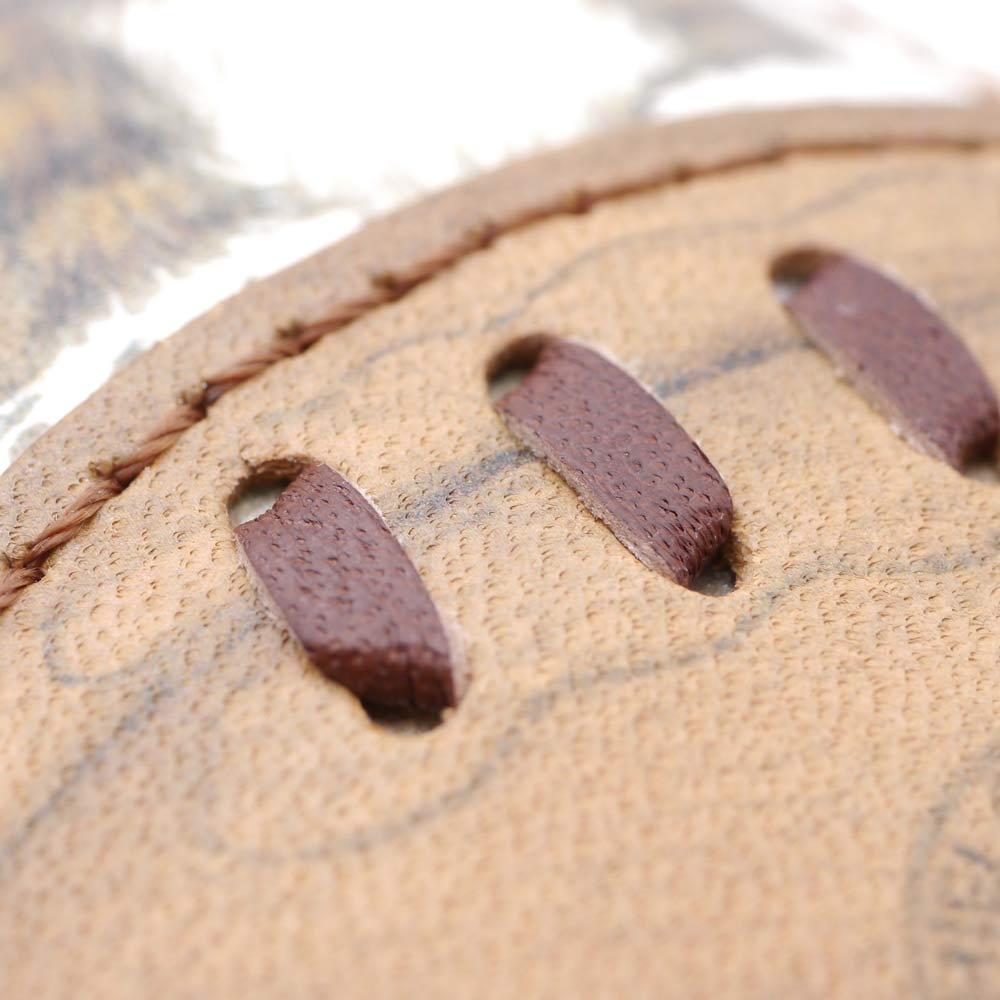 わちふぃーるど/BABYボールキーホルダー ラグビー ラグビーボールの所にはアクセントに革ひもを使っています