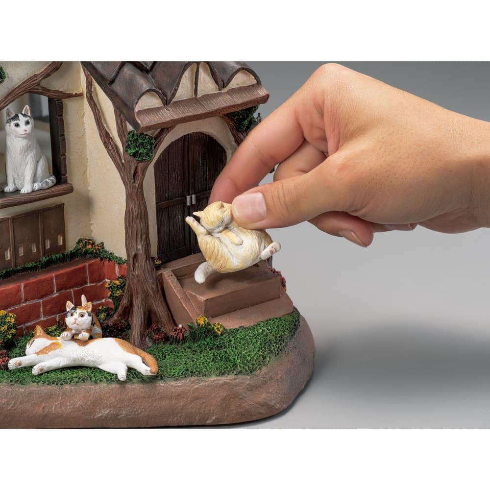 8匹の猫 しあわせの灯り ランプハウス 猫の配置を自由に変えることができます