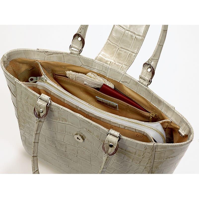 グレ クチュール・エレガンス エナメルトート 貴重品や小物をしっかり守るファスナーポケット