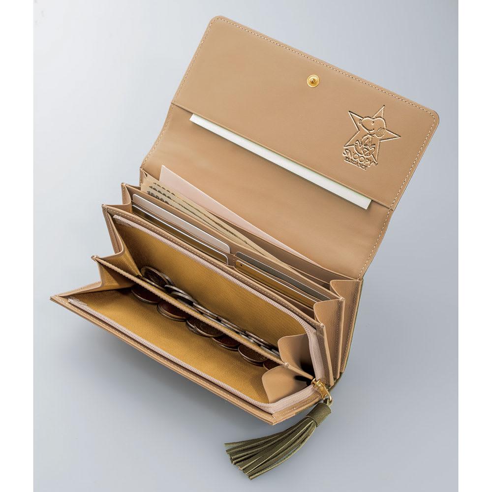 【WEB】SNOOPY(スヌーピー)/スヌーピーゴールドスター牛革ヌバックの長財布|PEANUTS たっぷり入る20ポケット!カードが12枚も入ります♪