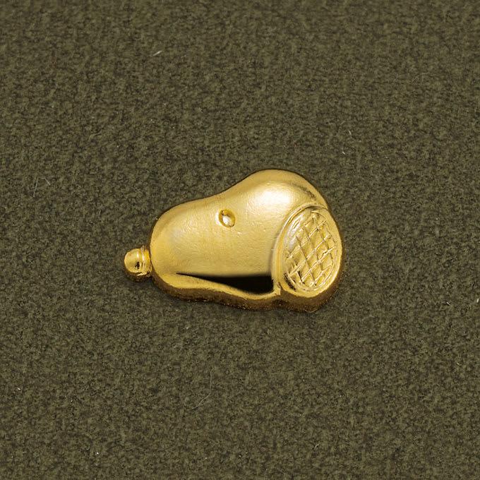 【WEB】SNOOPY(スヌーピー)/スヌーピーゴールドスター牛革ヌバックの長財布|PEANUTS トレンドカラーのカーキ色に輝くゴールドのスタッズづかい