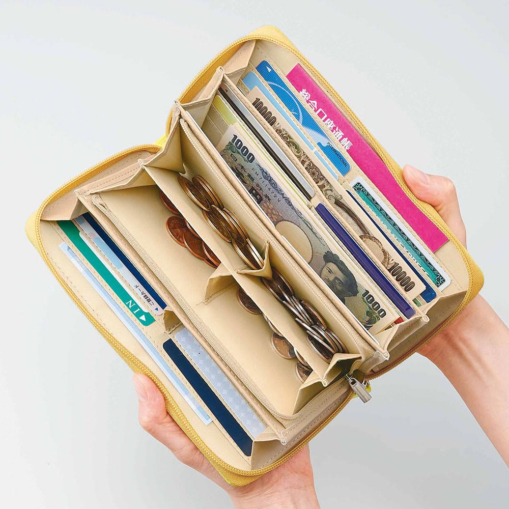 COGIT(コジット)/36カードたっぷり仕分け財布 ファスナー式小銭入れにもマチがあるので硬貨の種類ごとに仕分けて収納できて便利!