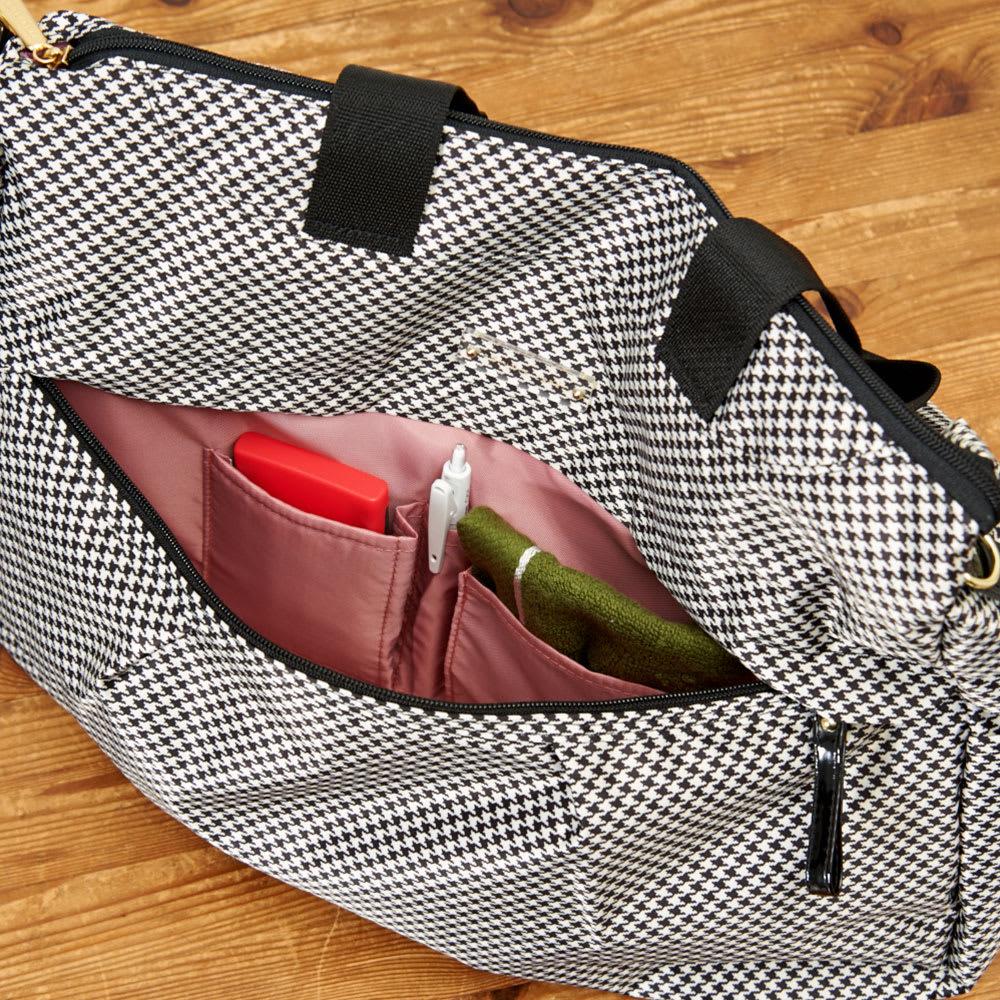 プライベートレーベル メントン ボストンバッグ 前面/ファスナーポケット×1(内=オープンポケット×2、ペン挿し×1)