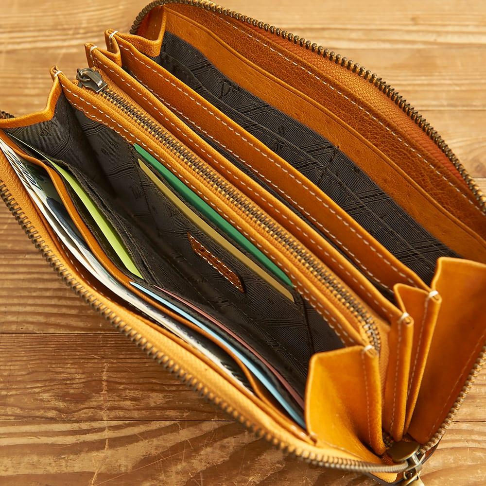 Dakota(ダコタ)/フォンス 牛革ラウンドファスナー長財布 C-16 カードは16枚収納でき、札入れも3つのスペースに分かれています