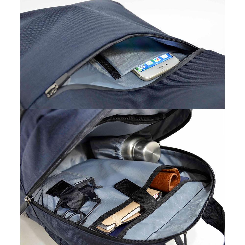エンドー鞄/NEOPRO(ネオプロ) CONNECT スマホを充電USBポート搭載バックパック 前ポケット内部/メインルームには書類入れ、ボトルポケット等