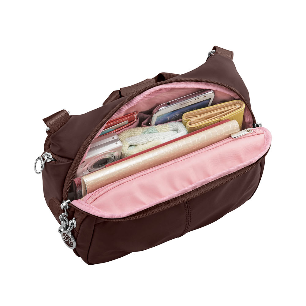 カナナプロジェクトショルダーバッグ 荷物をスッキリ収納できる内装