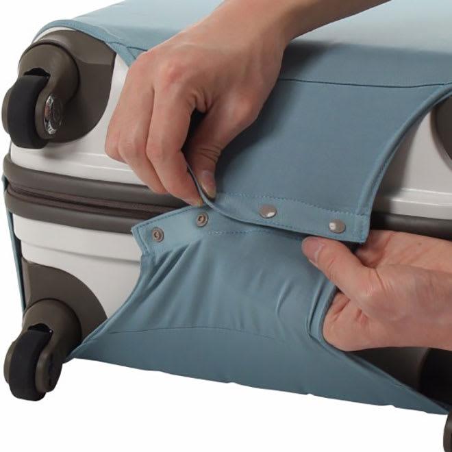 &P スーツケース/キャリーケースカバー かぶせ方(2)底部のスナップボタンを留めれば装着完了です