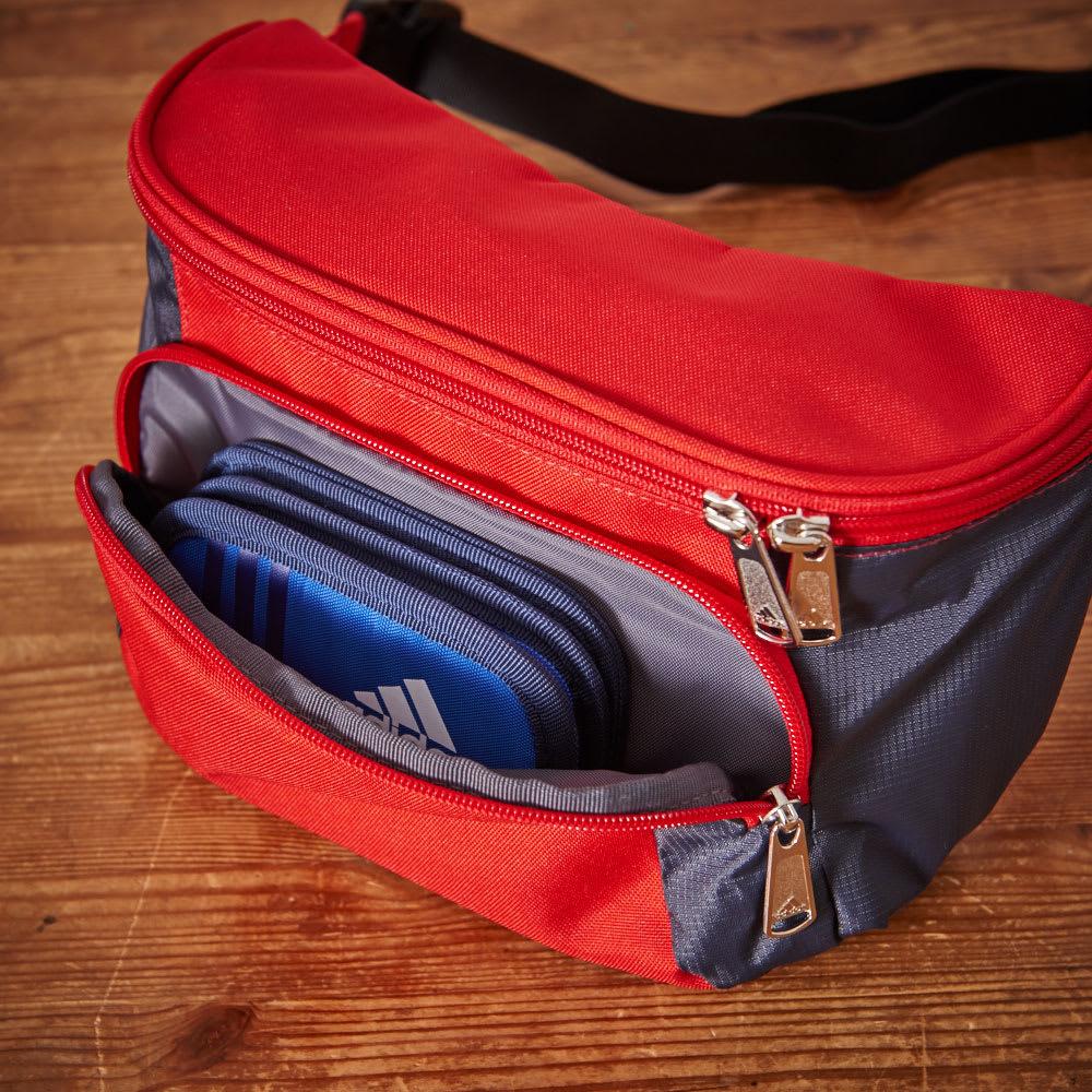 adidas(アディダス)/ウエストポーチ フロントのファスナーポケットはすぐに取り出したい小物類の収納にも便利です。
