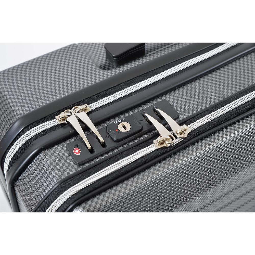 AMERICAN FLYER(アメリカンフライヤー)/ フロントオープン スーツケース キャリーケース・キャリーバッグ TSAロック/本体側・フロントポケット側が1つの錠前でロックされます。