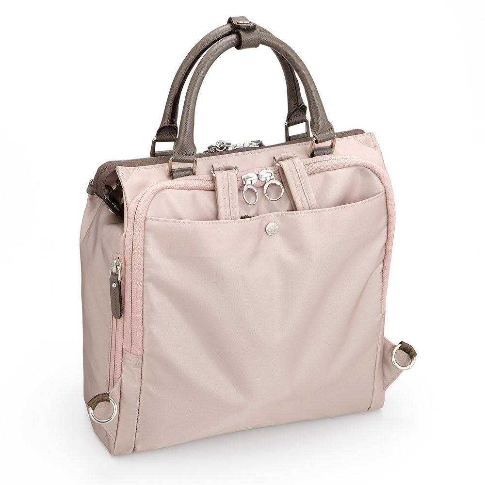 カナナプロジェクト/2WAYリュック B5サイズ ハンドバッグとして使用する際は、ショルダーベルトは背面ポケットに収納出来ます