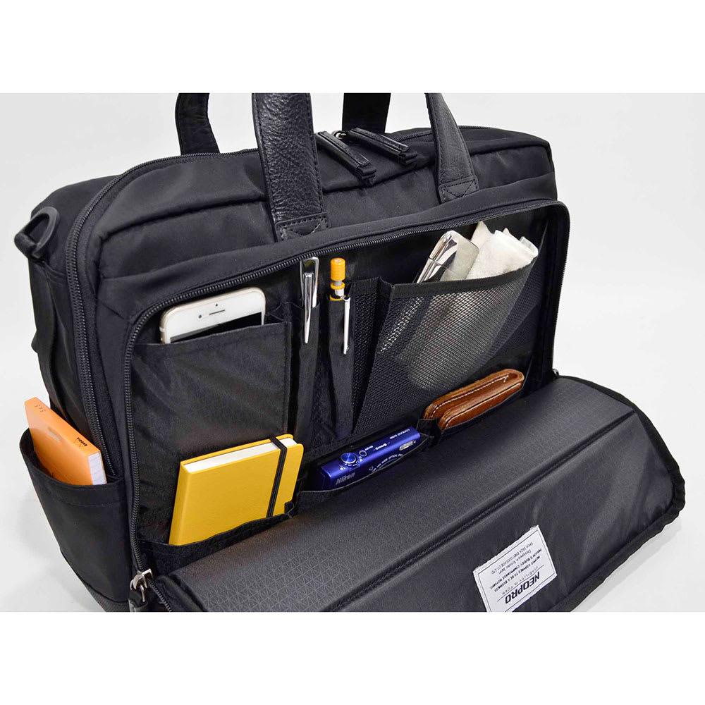 エンドー鞄/NEOPRO(ネオプロ) DELLIGHT 3WAYブリーフ フロントポケットが折れて開き使いたいものが出しやすく設計。