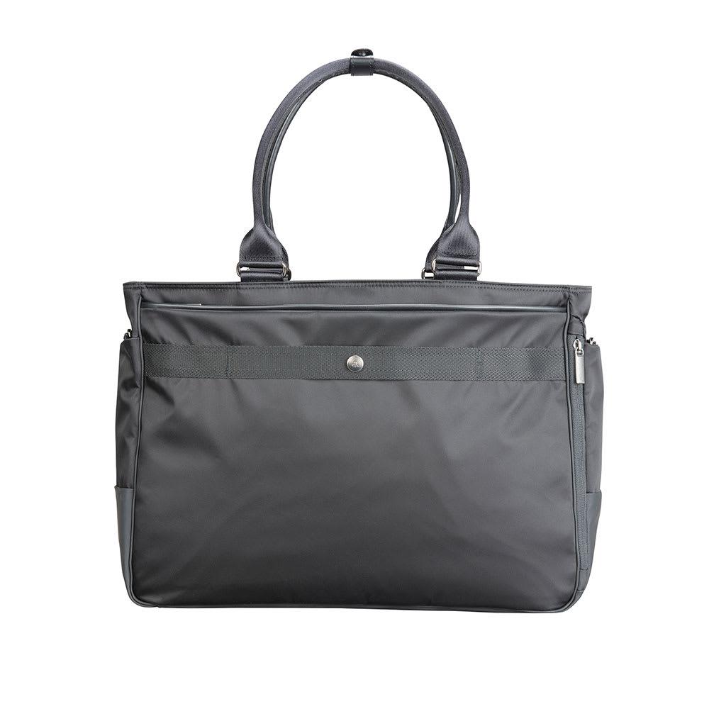 ace.GENE(エース ジーン)/モバイルラパーム B4対応 トートバッグ (ア)ブラック/背面にはスーツケースなどのハンドルに通して固定が出来るセットアップ機能を搭載。