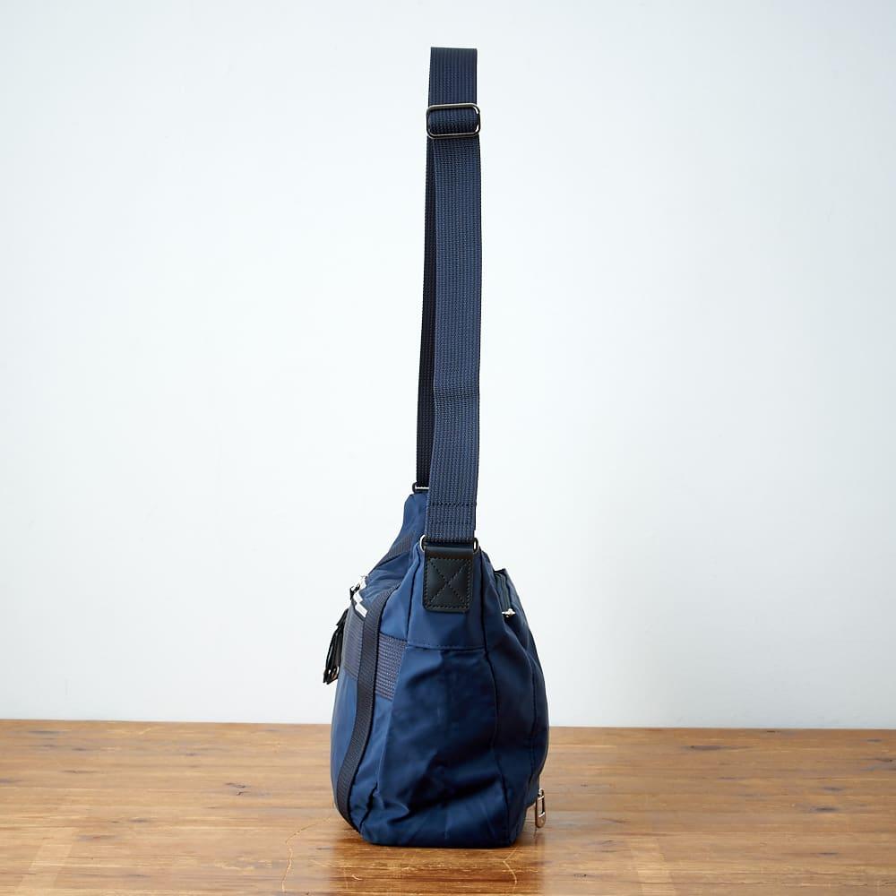 ace.TOKYO(エース トウキョウ)/オウストル 街歩き用、舟形ショルダーバッグ