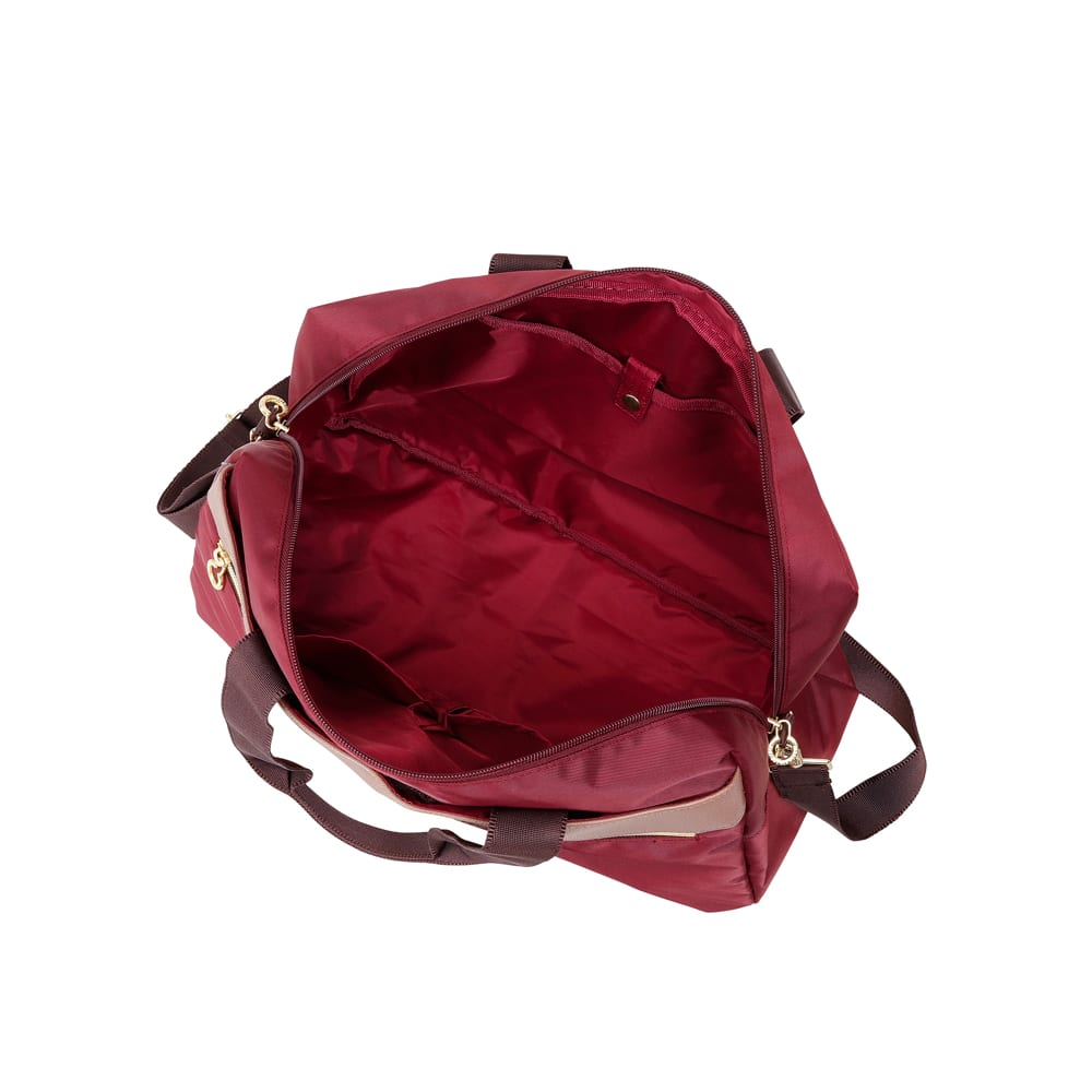 marie claire bis(マリ・クレール ビス)/キュービック ボストンバッグ 大きく開くメイン収納部。小物の収納に便利なポケット付き