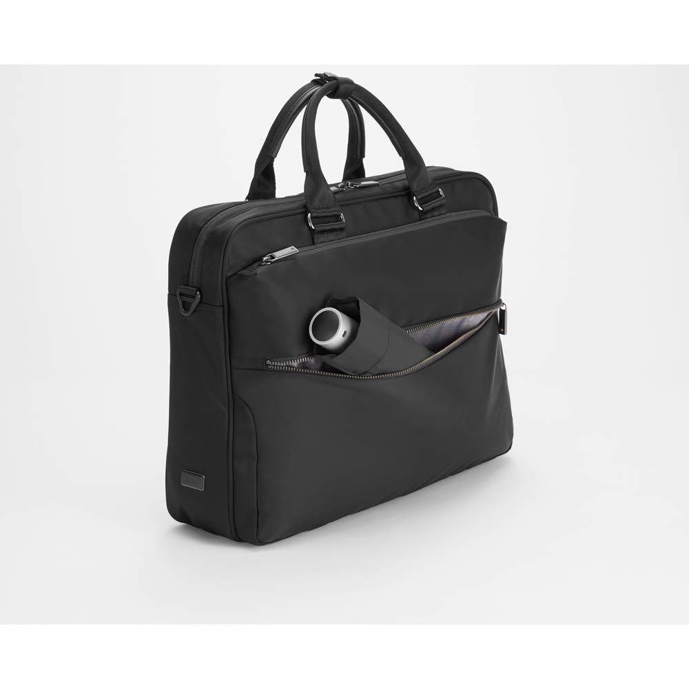 ace.GENE(エース ジーン)/B4&PC対応 ビジネスバッグ  前面下部には折りたたみ傘などが収納しやすいヨコ長のポケット付き