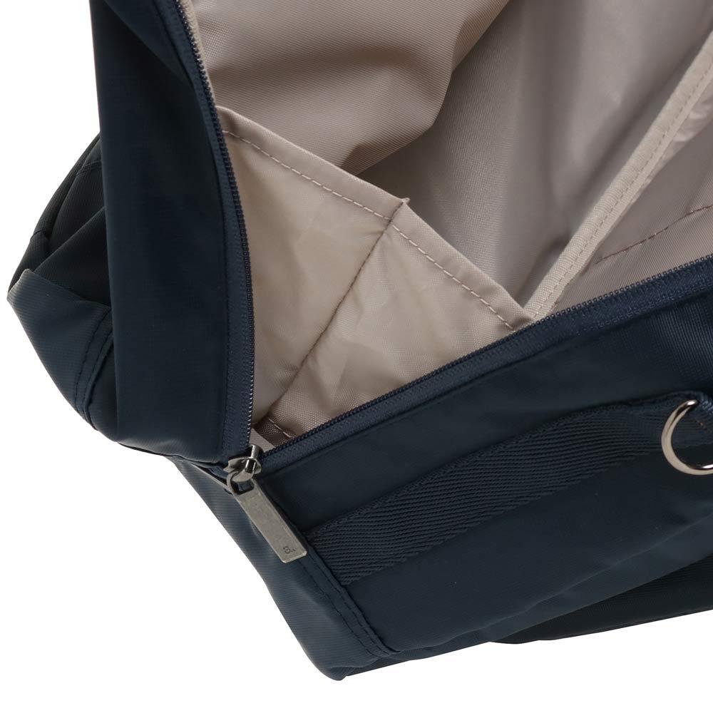 ace.(エース)/バスティーク2 ボストンバッグ ササマチ付で荷物が落ちるのを防ぎます