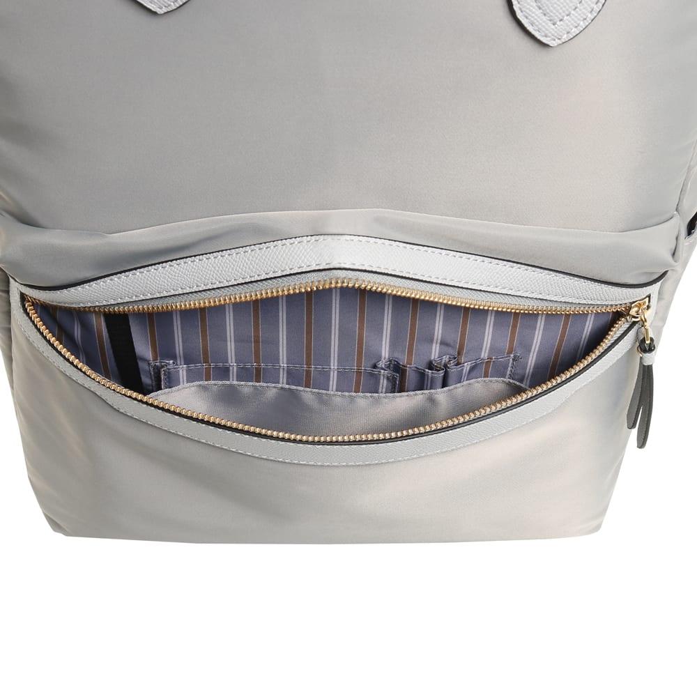 ace.(エース)/リモフィス 15.6inchパソコン収納対応、大容量リュック 前ポケットに抗菌・抗ウイルス加工の生地を使用したポケットを搭載