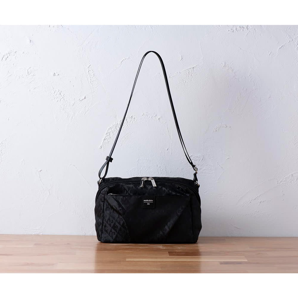 marie claire bis(マリ・クレール ビス)/ファセット 横型コンパクトショルダー (ア)ブラック