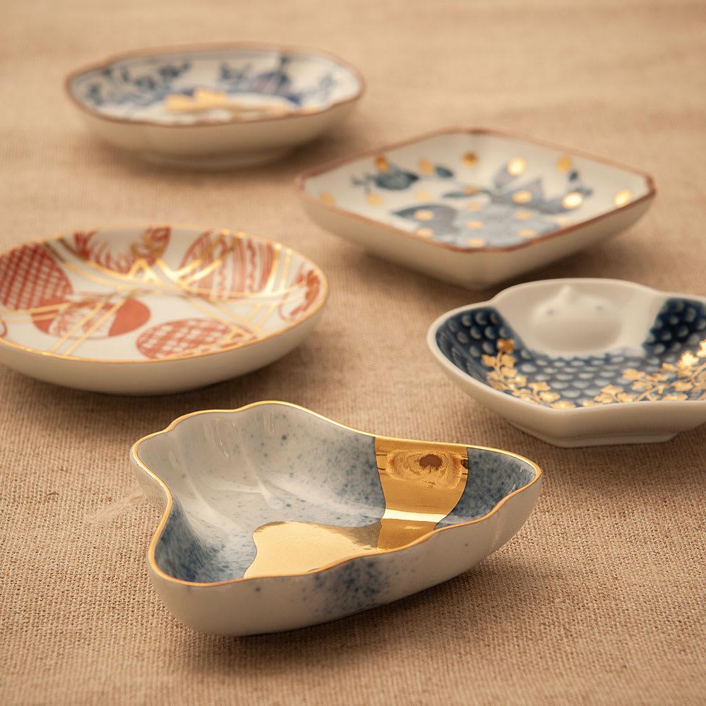 amabro(アマブロ)/MAME 有田焼豆皿1枚 浅すぎる豆皿では液こぼれや液跳ねの原因に。amabroの豆皿は使いやすさを追求して深さもきちんと考えられています。