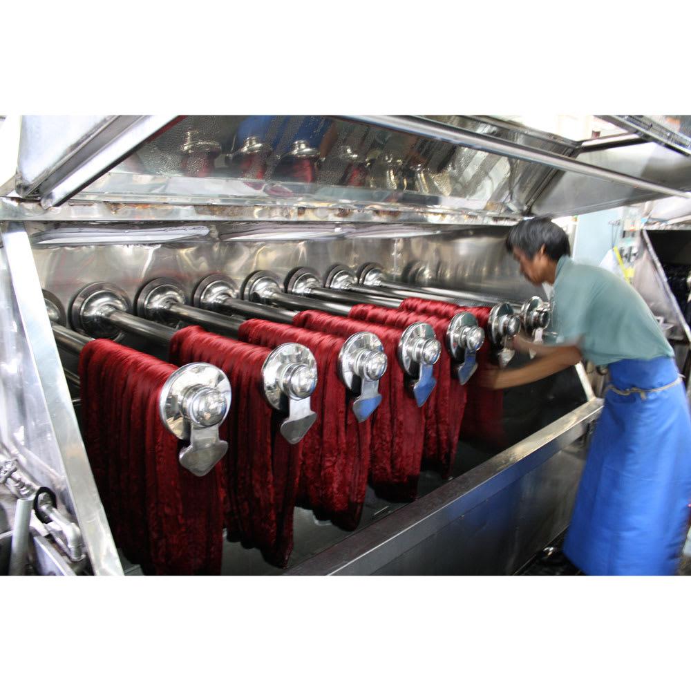 創業1866年槙田商店/傘生地を使ったポータブルバッグ(エコバッグ) ジャカード織 ドット&ボーダー柄 糸を綛(カセ)という輪っか状にして染色する、綛(カセ)染という方法で糸染めをします
