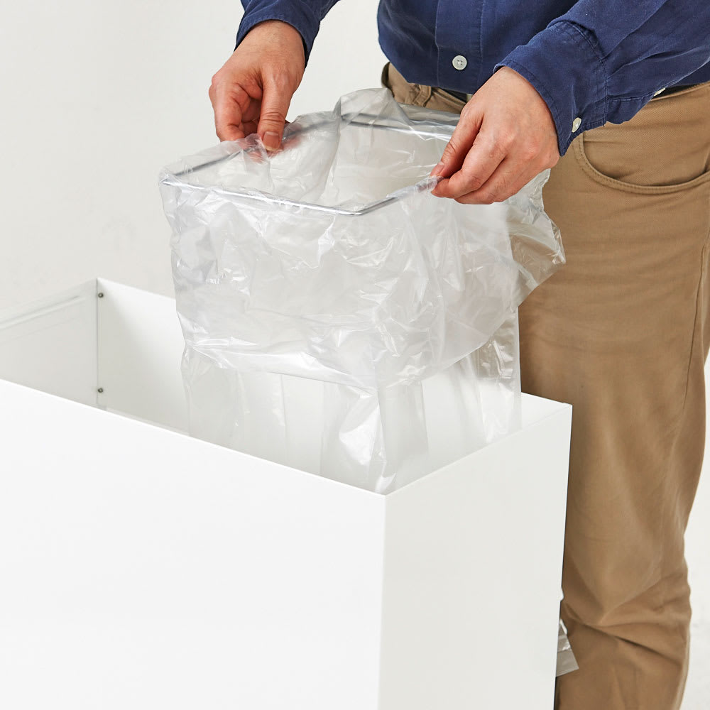 FRAMES&SONS(フレームズアンドサンズ)/SLANT ダストボックス30L 上蓋を外せばスチールの袋枠にゴミ袋をスムーズにセットできます。(※画像のサイズはワイドタイプを使用)