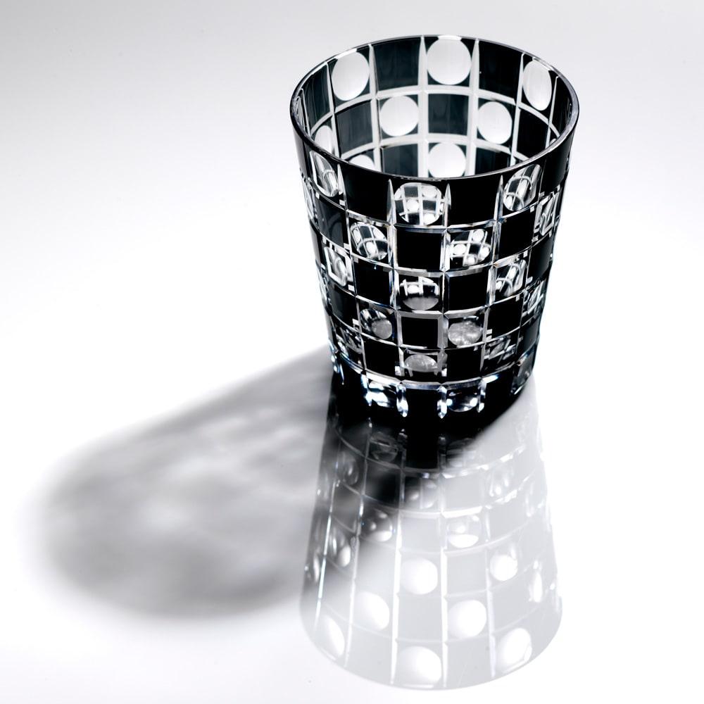 木本硝子/KIKI TAMA-ICHIMATSU(玉市松) オールド|黒の江戸切子グラス イメージ画像:こちらは同柄のミニオールドサイズとなります。
