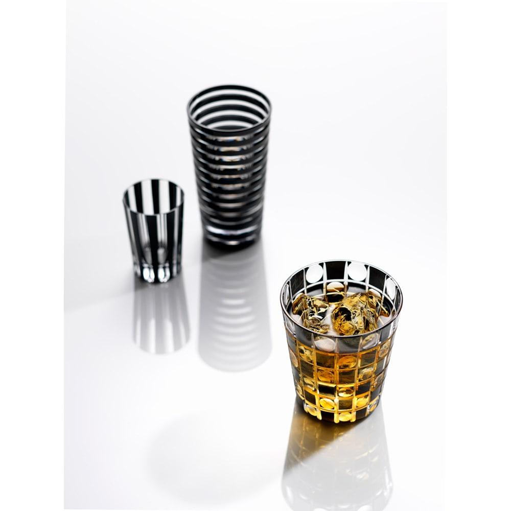 木本硝子/KIKI TAMA-ICHIMATSU(玉市松) オールド|黒の江戸切子グラス イメージ画像 柄はリング、ストライプ、タマイチマツの全3柄。大きさはタンブラー、オールド、ミニオールド、ショットグラスの全4サイズとなります。