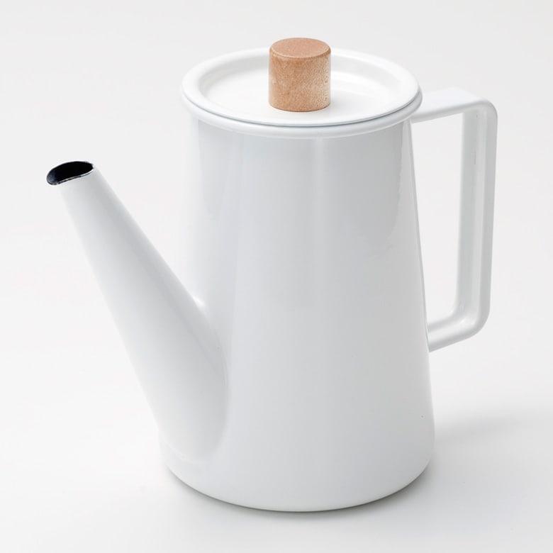 小泉誠・kaico(カイコ)/ホーロー(琺瑯)コーヒーポット 清潔感のある乳白色のホーローに、白木(天然木)で作られた蓋つまみが印象的なコーヒーポット
