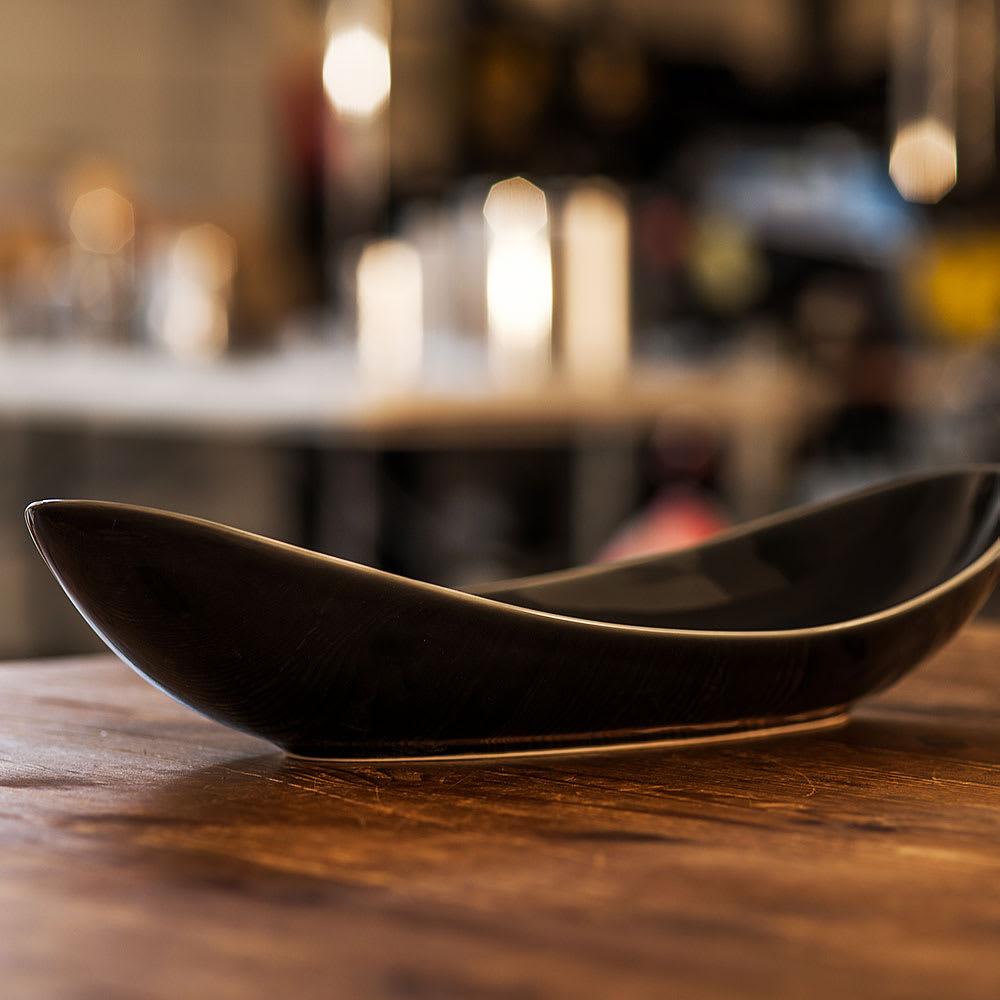 ARITA PORCELAIN LAB(アリタ・ポーセリン・ラボ)/楕円皿(中)sumi/墨ルリ|有田焼 なめらかなカーブが美しい楕円皿
