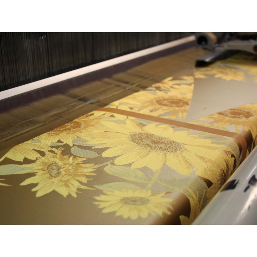 創業1866年槙田商店/ジャカード織 晴雨兼用長傘(UVカット加工) 絵おり 向日葵 柄をより立体的に、色が艶やかにでる表現はジャカード織機ならでは
