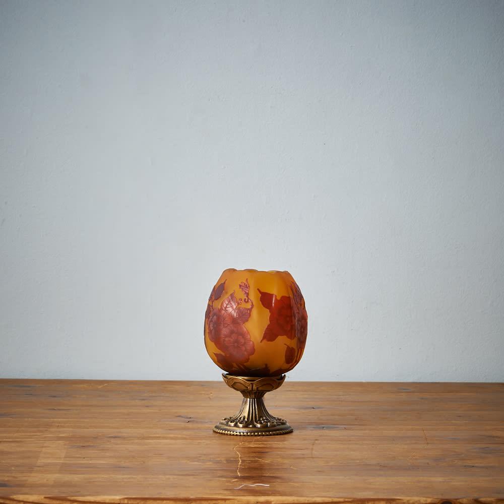 ガレコレクションテーブルスタンドAGL-13DB-バラ柄シェード (ア)真鍮色の参考画像です。