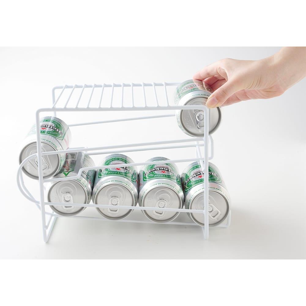 上にも置ける缶ストッカー 入れる時