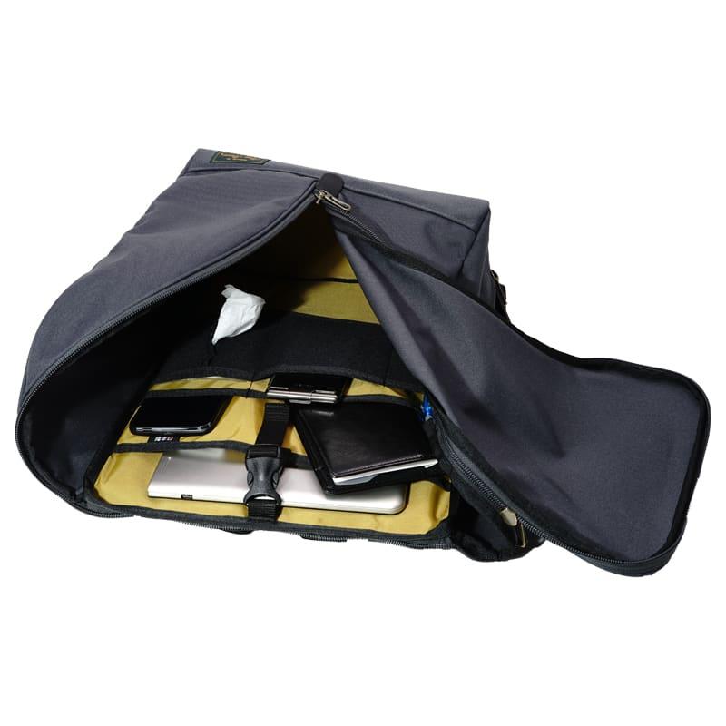 BusyBeaver(ビジィ・ビーバー)/クレッションバッグ クッション材を使用しているポケットはPC・タブレットも収納可能です