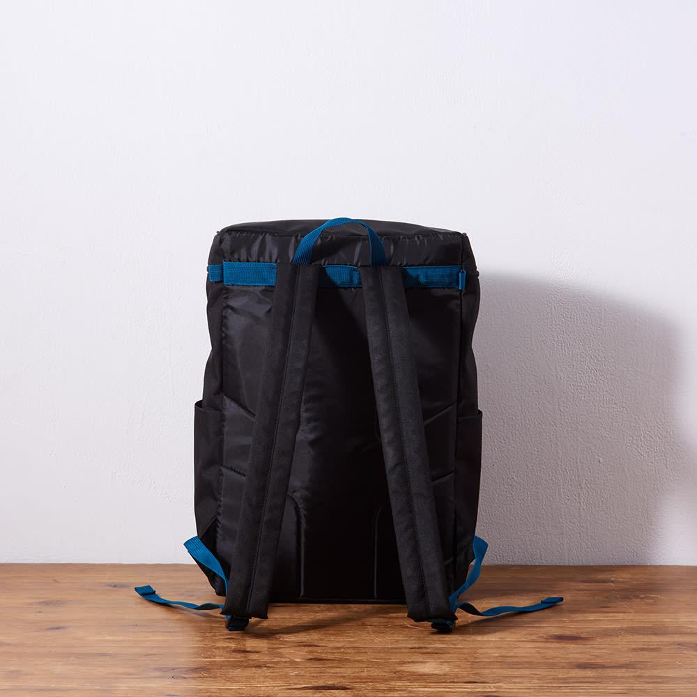 adidas(アディダス)/スクエア型リュックサック (ア)ブラック…Back