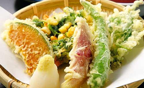グレープシードオイルお試し (460g×2本) 天ぷら調理例:グレープシードオイルを使用した天ぷらは油臭さがなくカラッと揚がります。