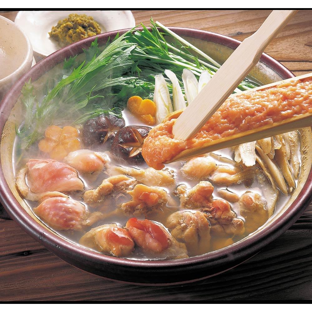 博多「華味鳥」 水たきセット(3~4人前) 【調理例】歯ごたえの良い鶏肉と、華味鳥の鶏ガラからとったコラーゲンたっぷりのスープの味が絶妙。