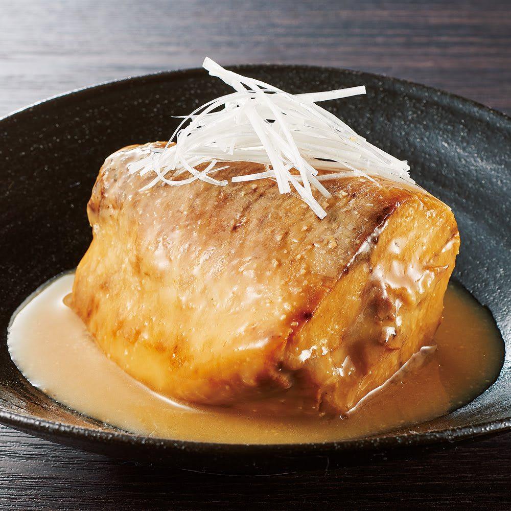 さば味噌煮 (280g×6パック) 盛付例 カットは切り身形式ではなく、ぶつ切りタイプで肉厚でしっかりと食べ応えのある、今までになかったさばの味噌煮です。
