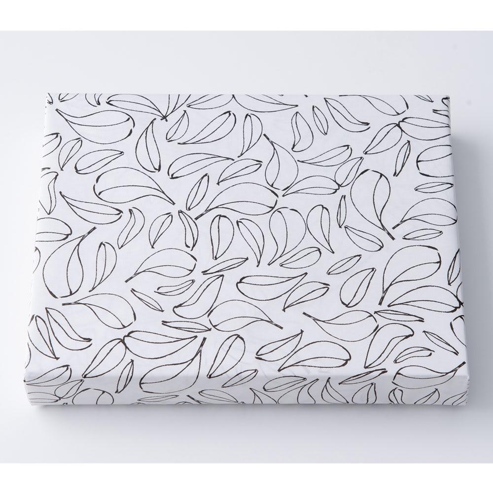 PATISSERIE SANGA(パティスリー サンガ) フィナンシェ&パンドジェンヌ詰合せ 表書きが「御供」の場合、こちらの包装紙になります。