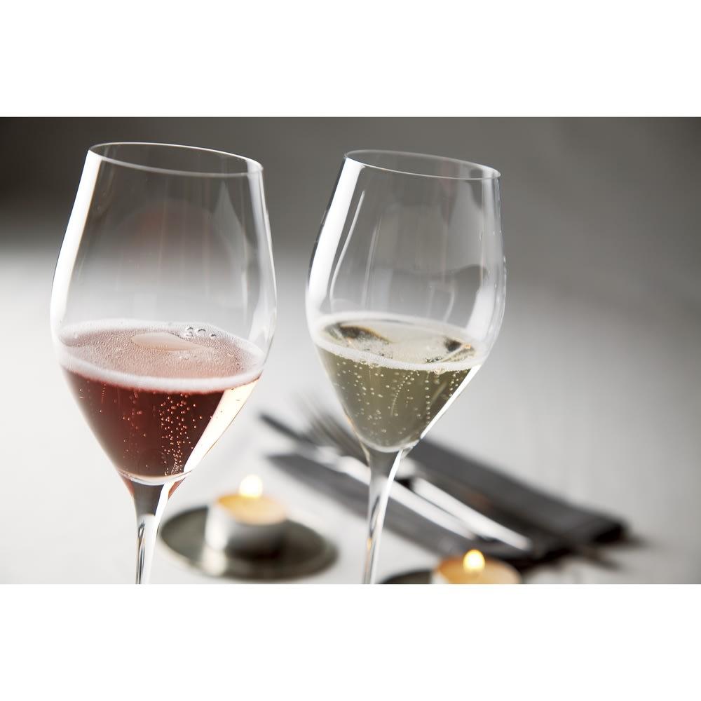 """【スパークリングワイン】ベッレンダ・スプマンテ・ブリュット""""キラリカ"""" 持続性のある細やかな泡、輝きのある淡い麦藁色。香ばしいパンの香りや、フルーティなアロマが感じられ、味わいはドライでキレがあり、飲み心地が良いスパークリングワインです。(※画像はイメージです)"""