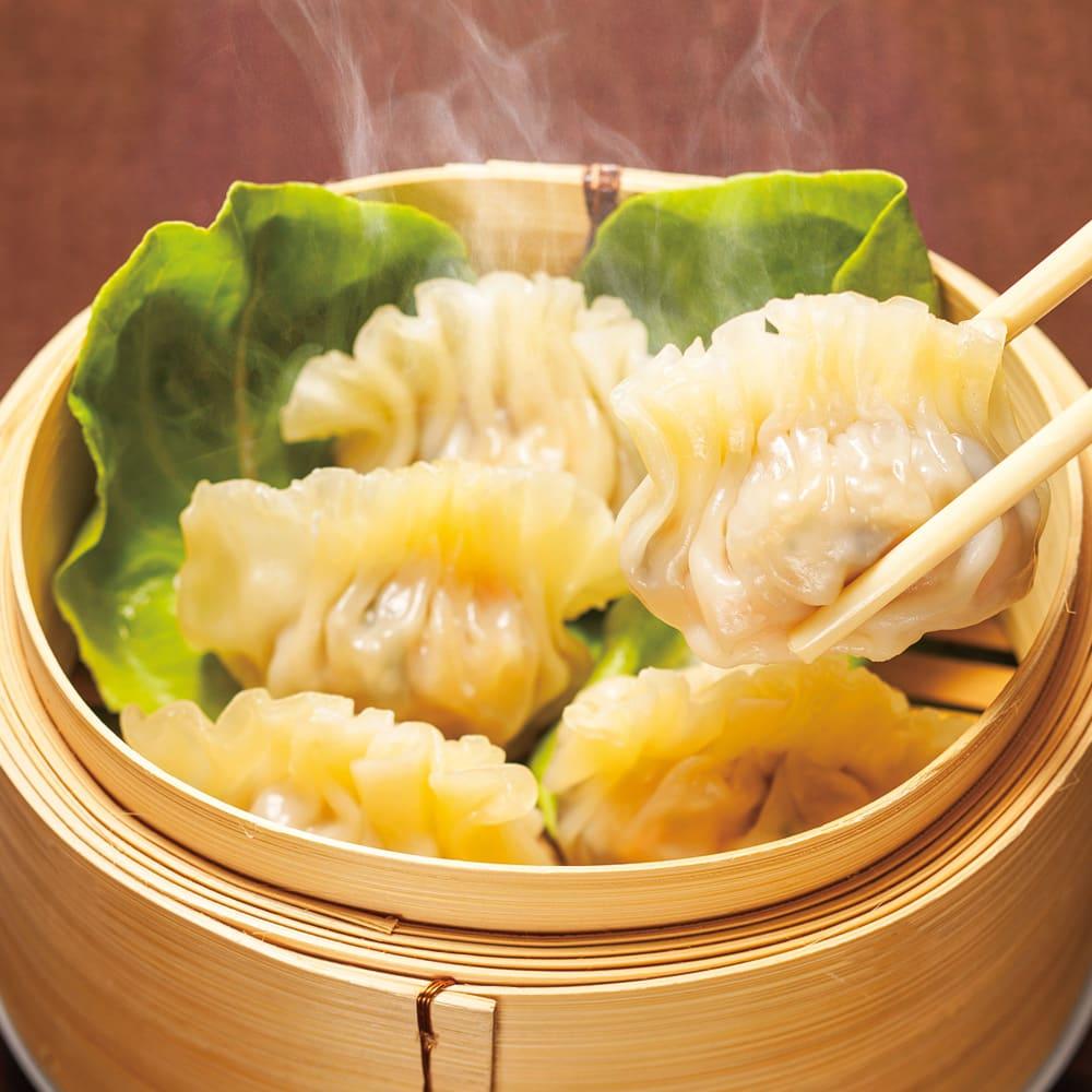 陳建一 ふかひれ入り餃子 125g×4袋 【調理例】フカヒレが入った贅沢餃子です。蒸して食べる餃子ですのでモチモチの食感とジューシーな餡がやみつきになります。