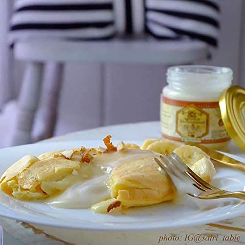 キルギスの白いはちみつ (250g×2本) 【盛り付け例】クリームのような「ふわっ」と甘い食感です。